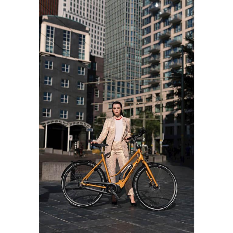 Cortina E-Mozzo ladies bicycle  1_cortina 767x767